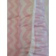Babafészek rózsaszín chevron-pöttyös